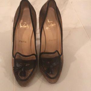 Authentic shoes, fur
